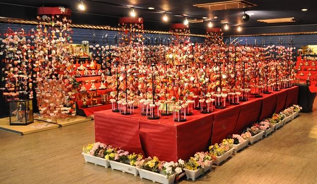 2012つるし飾り雛会場